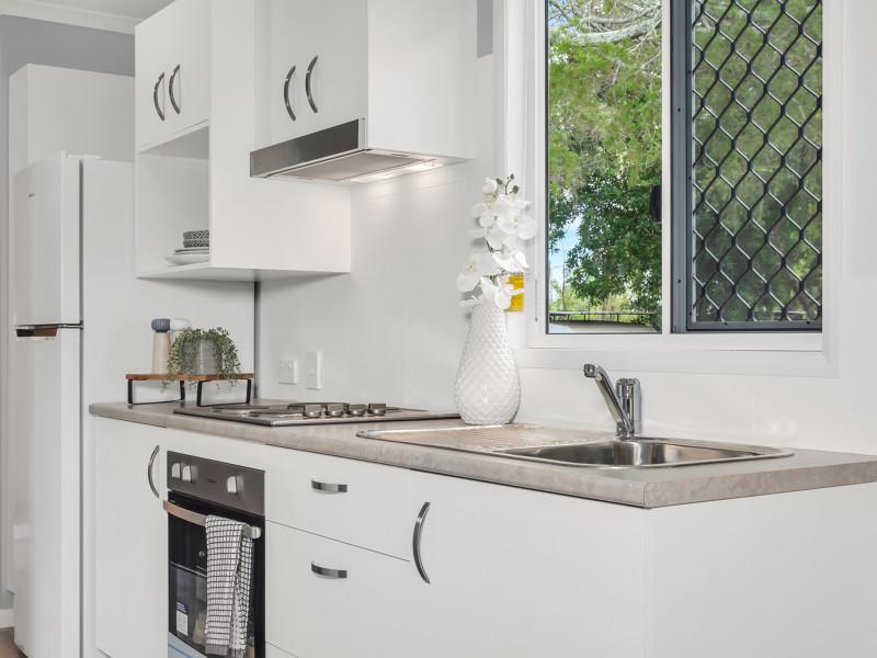 Brisbane North Rental Village Condo Kitchen 5